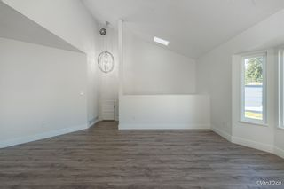 Photo 4: 5216 SMITH Avenue in Burnaby: Central Park BS 1/2 Duplex for sale (Burnaby South)  : MLS®# R2620345