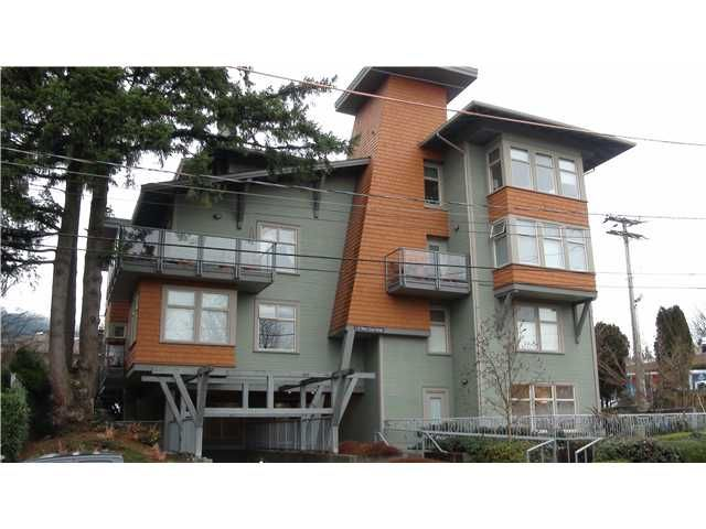 "Main Photo: 203 118 W 22ND Street in North Vancouver: Central Lonsdale Condo for sale in ""THE SENTRY"" : MLS®# V868401"