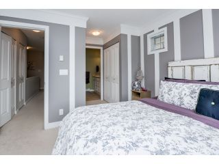 """Photo 11: 63 4401 BLAUSON Boulevard in Abbotsford: Abbotsford East Townhouse for sale in """"Sage at Auguston"""" : MLS®# R2061479"""
