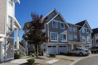 Photo 2: 33 700 Lancaster Way in Comox: CV Comox (Town of) Row/Townhouse for sale (Comox Valley)  : MLS®# 883144