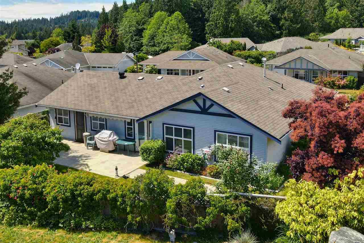 Main Photo: 5681 CASCADE CRESCENT in Sechelt: Sechelt District House for sale (Sunshine Coast)  : MLS®# R2590339