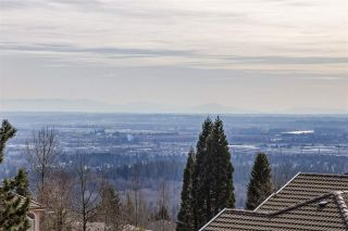 """Photo 4: 36 1751 PADDOCK Drive in Coquitlam: Westwood Plateau Townhouse for sale in """"WORTHING GREEN SOUTH"""" : MLS®# R2550908"""