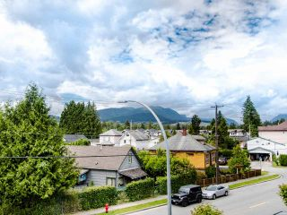 """Photo 4: 305 3128 FLINT Street in Port Coquitlam: Glenwood PQ Condo for sale in """"FRASER COURT TERRACE"""" : MLS®# R2456754"""