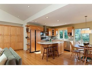 Photo 5: 877 BEACONSFIELD Road: Forest Hills NV Home for sale ()  : MLS®# V991497