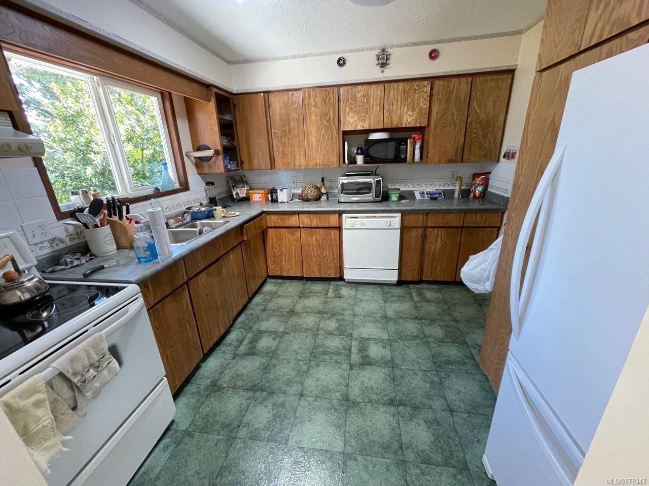Photo 2: Photos: 334 Texada Pl in : CV Comox (Town of) House for sale (Comox Valley)  : MLS®# 878347