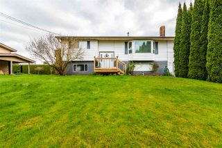 Photo 1: 10584 CONRAD Street in Chilliwack: Fairfield Island House for sale : MLS®# R2563241