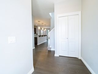 Photo 4: 5215 ADMIRAL WALTER HOSE Street in Edmonton: Zone 27 House for sale : MLS®# E4260055