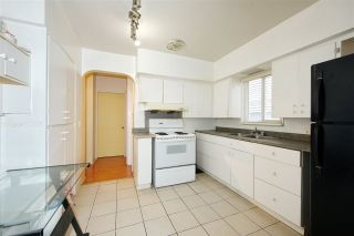 Photo 7: 7320 INVERNESS Street in Vancouver: South Vancouver House for sale (Vancouver East)  : MLS®# R2429721