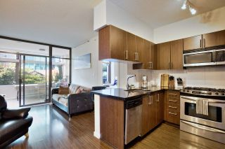 """Photo 11: 209 1068 W BROADWAY in Vancouver: Fairview VW Condo for sale in """"THE ZONE"""" (Vancouver West)  : MLS®# R2019129"""