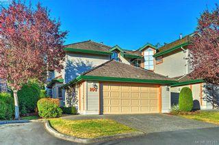 Photo 1: 100 530 Marsett Pl in VICTORIA: SW Royal Oak Row/Townhouse for sale (Saanich West)  : MLS®# 766034