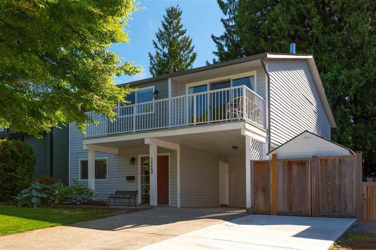 Main Photo: 20489 DALE Drive in Maple Ridge: Southwest Maple Ridge House for sale : MLS®# R2590609