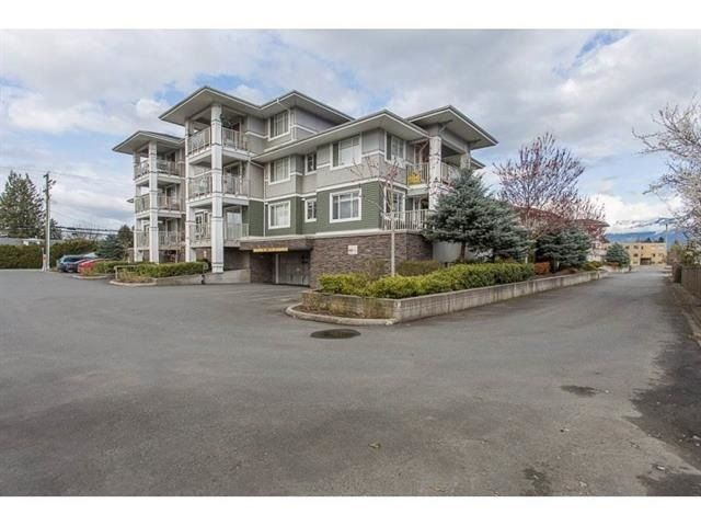 """Main Photo: 310 46262 FIRST Avenue in Chilliwack: Chilliwack E Young-Yale Condo for sale in """"THE SUMMIT"""" : MLS®# R2499093"""