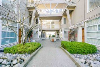 """Photo 2: 19 2138 E KENT AVENUE SOUTH in Vancouver: South Marine Condo for sale in """"Captains' Walk"""" (Vancouver East)  : MLS®# R2557774"""