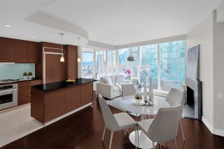 """Photo 2: 603 1925 ALBERNI Street in Vancouver: West End VW Condo for sale in """"Laguna Parkside"""" (Vancouver West)  : MLS®# R2429740"""