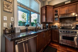 """Photo 13: 64 14655 32 Avenue in Surrey: Elgin Chantrell Townhouse for sale in """"Elgin Pointe"""" (South Surrey White Rock)  : MLS®# R2496282"""