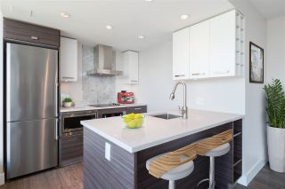 """Photo 7: 1406 1783 MANITOBA Street in Vancouver: False Creek Condo for sale in """"Residences at West"""" (Vancouver West)  : MLS®# R2457734"""