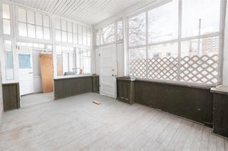 Photo 2: 568 Balmoral Street in Winnipeg: West End Residential for sale (5A)  : MLS®# 202110145
