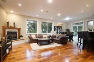 Photo 2: 568 Brant Pl in : La Thetis Heights House for sale (Langford)  : MLS®# 861766