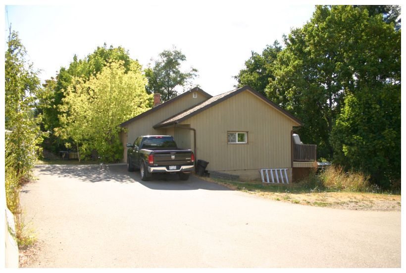 Main Photo: 881 Northeast 21 Street in Salmon Arm: House for sale (NE Salmon Arm)  : MLS®# 10142001