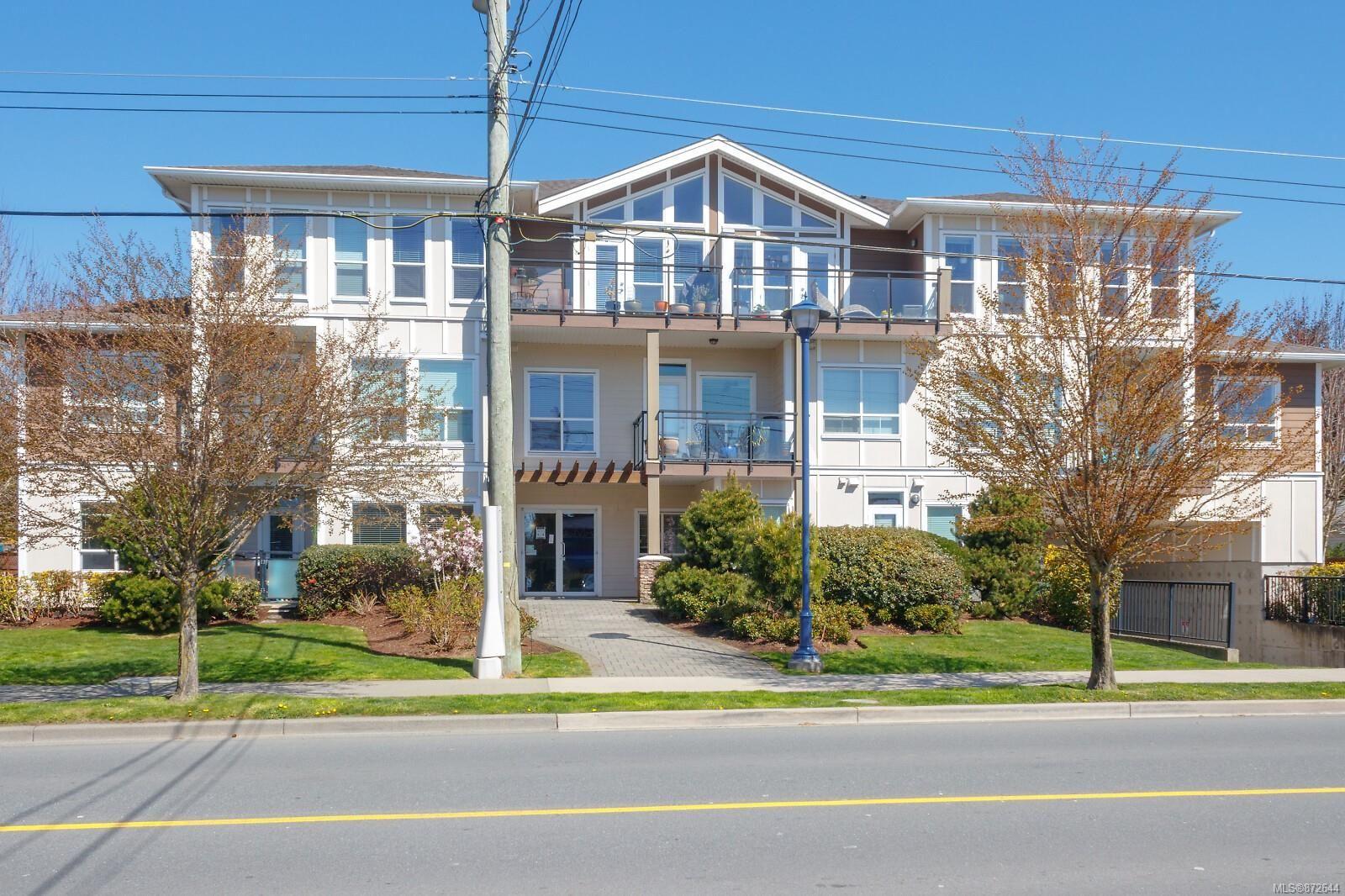 Main Photo: 211 938 Dunford Ave in : La Langford Proper Condo for sale (Langford)  : MLS®# 872644