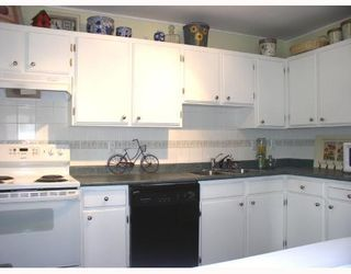 """Photo 2: 103 12170 222ND Street in Maple_Ridge: West Central Condo for sale in """"WILDWOOD TERRACE"""" (Maple Ridge)  : MLS®# V741110"""