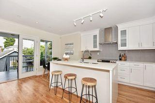 """Photo 6: 1083 E 14TH Avenue in Vancouver: Mount Pleasant VE House for sale in """"MOUNT PLEASANT"""" (Vancouver East)  : MLS®# R2107241"""