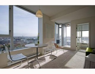 """Photo 2: 1509 550 TAYLOR Street in Vancouver: Downtown VW Condo for sale in """"The Taylor"""" (Vancouver West)  : MLS®# V804974"""