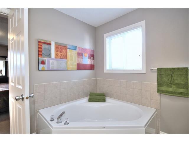 Photo 36: Photos: 30 EVERHOLLOW Heath SW in Calgary: Evergreen House for sale : MLS®# C4068362