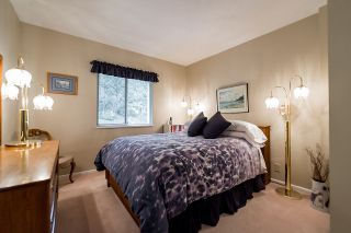 """Photo 14: 2375 FOLKESTONE Way in West Vancouver: Panorama Village Townhouse for sale in """"Westpointe"""" : MLS®# R2147678"""