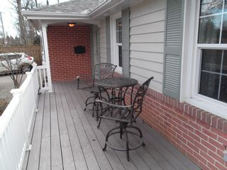 Photo 13: 73 Dearham Wood in Toronto: Guildwood House (Bungalow) for sale (Toronto E08)  : MLS®# E2595547