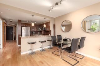 """Photo 9: 202 588 BROUGHTON Street in Vancouver: Coal Harbour Condo for sale in """"HARBOURSIDE PARK"""" (Vancouver West)  : MLS®# R2579225"""