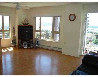 """Photo 2: 121 W 15TH Street in North Vancouver: Central Lonsdale Condo for sale in """"THE ALEGRIA"""" : MLS®# V601911"""