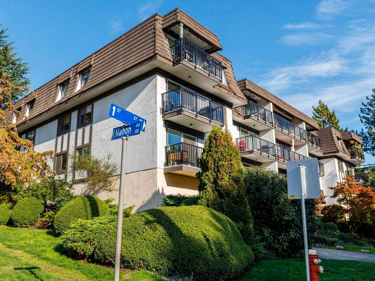 """Main Photo: 207 270 W 1ST Street in North Vancouver: Lower Lonsdale Condo for sale in """"Dorest Manor"""" : MLS®# R2625084"""