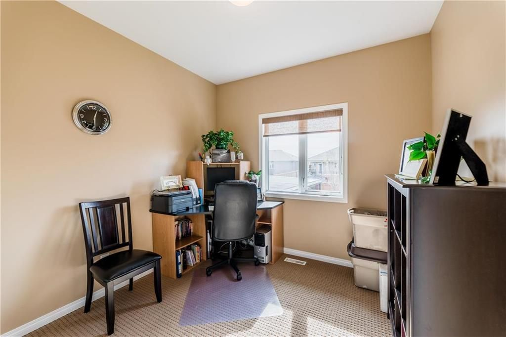 Photo 20: Photos: 18 JUNIPER Avenue in Steinbach: Southwood Residential for sale (R16)  : MLS®# 202024800