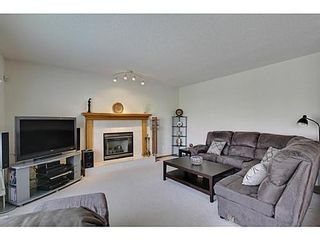Photo 11: 20 EDGEBROOK Circle NW in Calgary: 2 Storey for sale : MLS®# C3569549