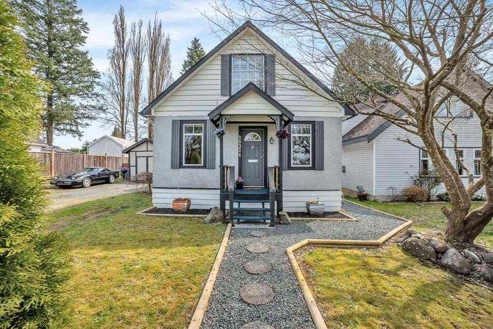 Main Photo: 20324 HAMPTON Street in Maple Ridge: Southwest Maple Ridge House for sale : MLS®# R2562554