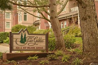 Photo 2: 301 835 Selkirk Ave in Esquimalt: Es Kinsmen Park Condo for sale : MLS®# 834669