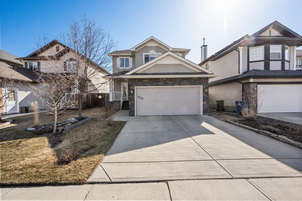 Main Photo: 1076 Channelside Way SW: Airdrie Detached for sale : MLS®# A1100367