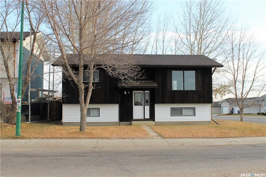 Main Photo: 2 Gray Avenue in Saskatoon: Forest Grove Residential for sale : MLS®# SK859432