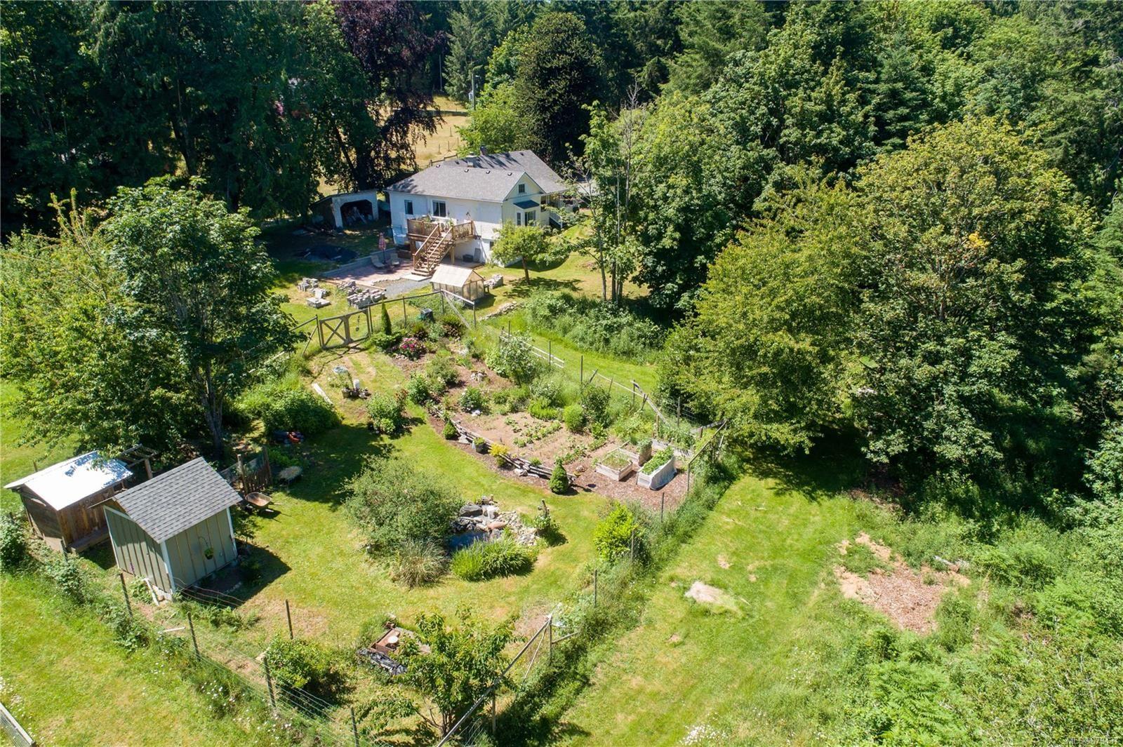 Main Photo: 2971 Shawnigan Lake Rd in Shawnigan Lake: ML Shawnigan House for sale (Malahat & Area)  : MLS®# 879437