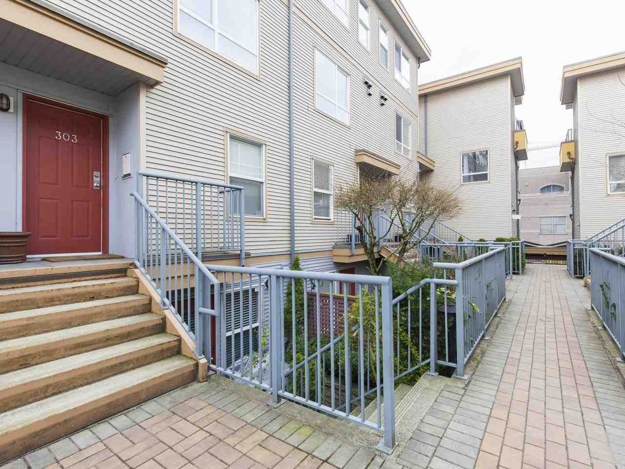 """Main Photo: 303 2688 WATSON Street in Vancouver: Mount Pleasant VE Townhouse for sale in """"Tala Vera"""" (Vancouver East)  : MLS®# R2152269"""