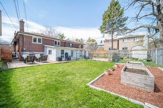 Photo 37: 157 South Woodrow Boulevard in Toronto: Birchcliffe-Cliffside House (Bungalow) for sale (Toronto E06)  : MLS®# E5218535