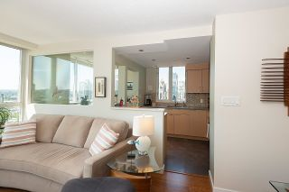 """Photo 6: 2701 1201 MARINASIDE Crescent in Vancouver: Yaletown Condo for sale in """"The Peninsula"""" (Vancouver West)  : MLS®# R2602027"""