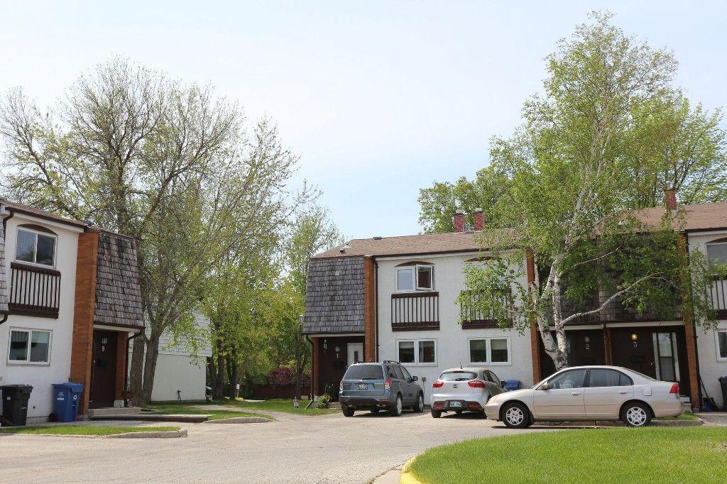 Photo 23: Photos: 1 1048 Buchanan Boulevard in Winnipeg: Crestview Townhouse for sale (West Winnipeg)  : MLS®# 1514156