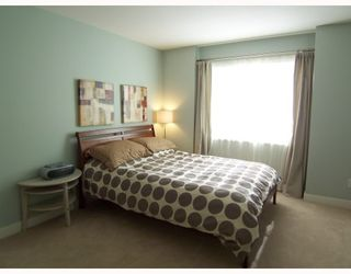 """Photo 7: 34 8533 CUMBERLAND Place in Burnaby: The Crest Townhouse for sale in """"CHANCERY LANE"""" (Burnaby East)  : MLS®# V758418"""