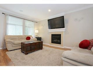"Photo 4: 6798 184 Street in Surrey: Cloverdale BC 1/2 Duplex for sale in ""HEARTLAND"" (Cloverdale)  : MLS®# F1440702"