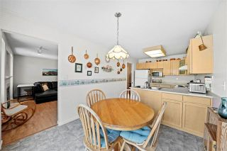 """Photo 13: 16 6320 48A Avenue in Delta: Holly Townhouse for sale in """"""""GARDEN ESTATES"""""""" (Ladner)  : MLS®# R2568766"""