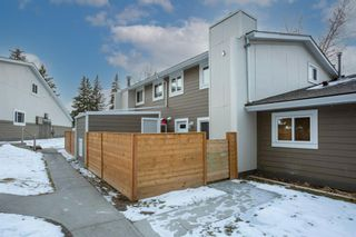 Photo 1: 1208 13104 Elbow Drive SW in Calgary: Canyon Meadows Row/Townhouse for sale : MLS®# A1051272