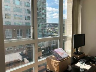 """Photo 8: 501 910 BEACH Avenue in Vancouver: Yaletown Condo for sale in """"910 BEACH"""" (Vancouver West)  : MLS®# R2584313"""