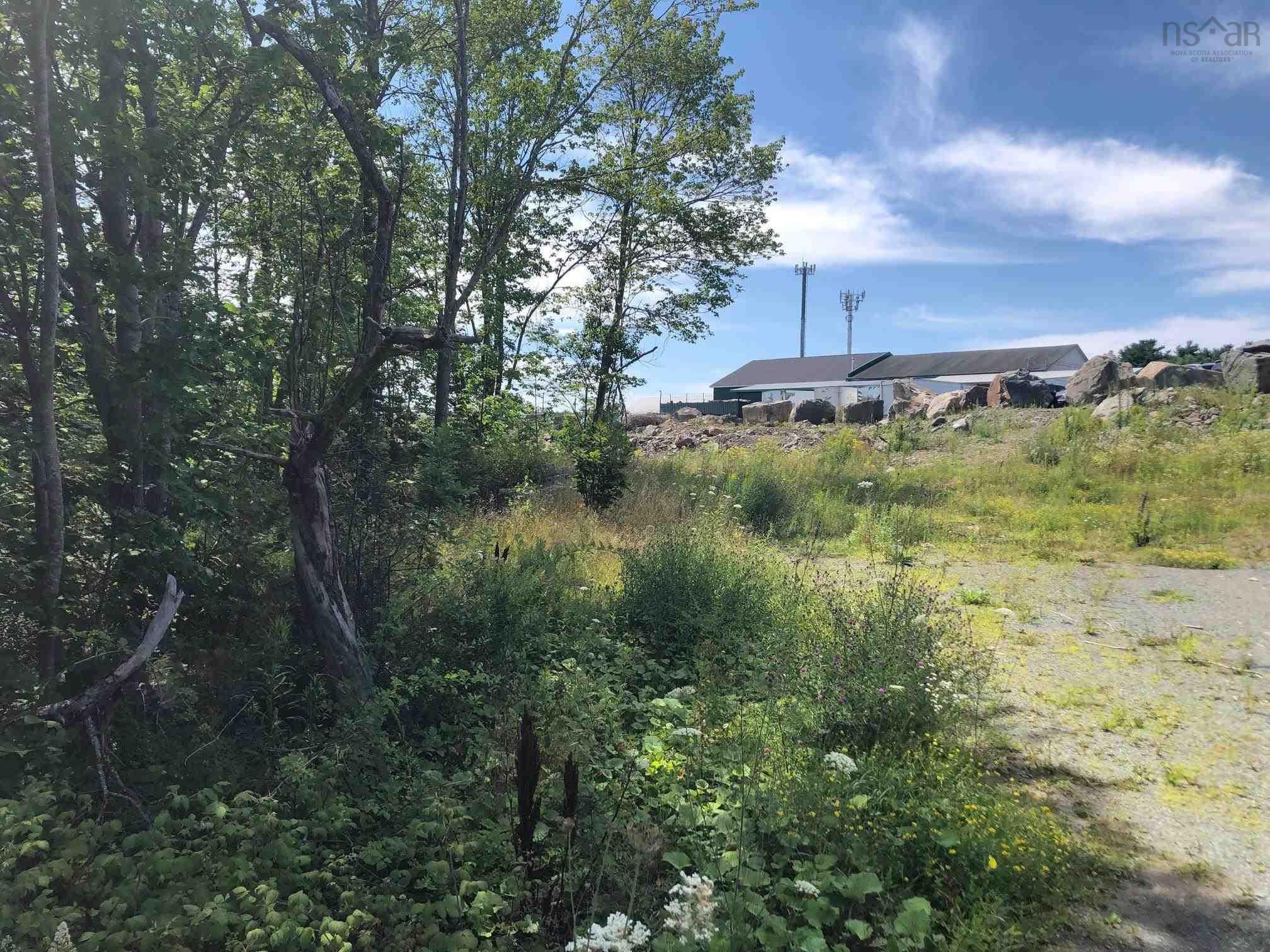 Main Photo: 961 Cobequid Road in Lower Sackville: 30-Waverley, Fall River, Oakfield Commercial  (Halifax-Dartmouth)  : MLS®# 202123620